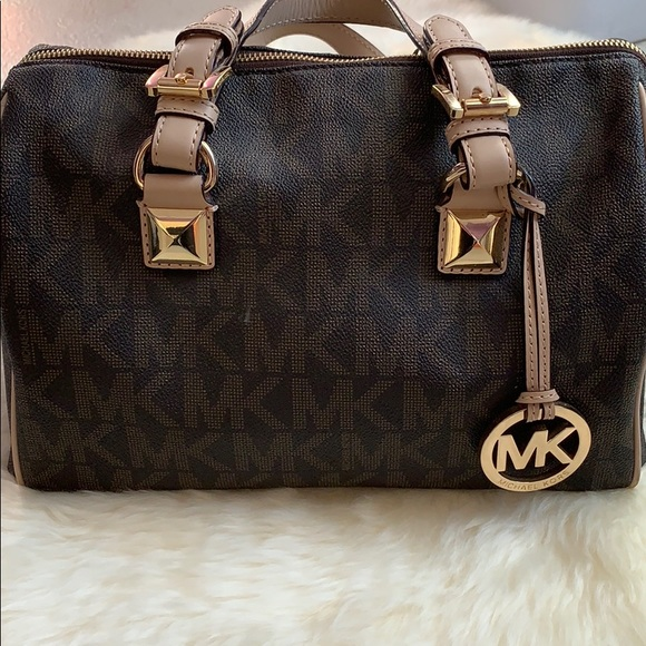 Michael Kors Handbags - Michael Kors Large Grayson Logo Satchel